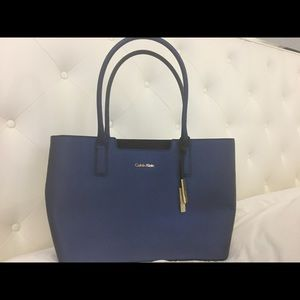Calvin Klein blue purse for every day wear